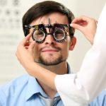 в кабинете у офтальмолога